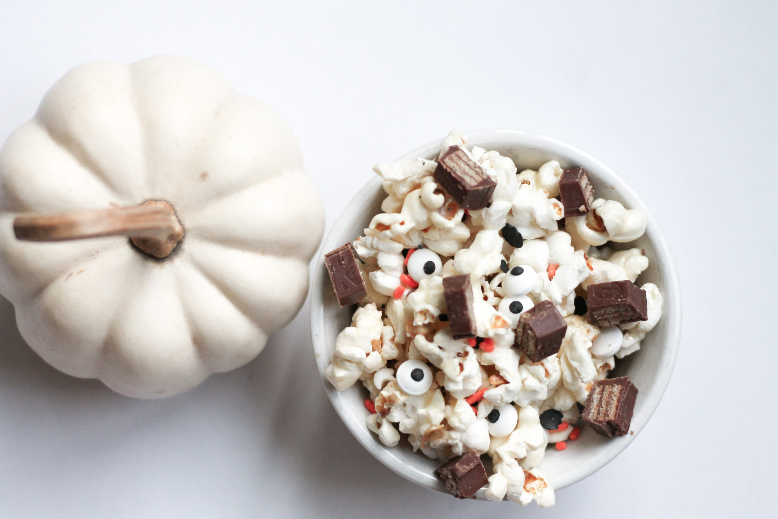 Spooky popcorn chocolate